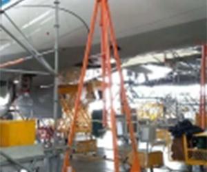 B757飞机牵引杆使用现场